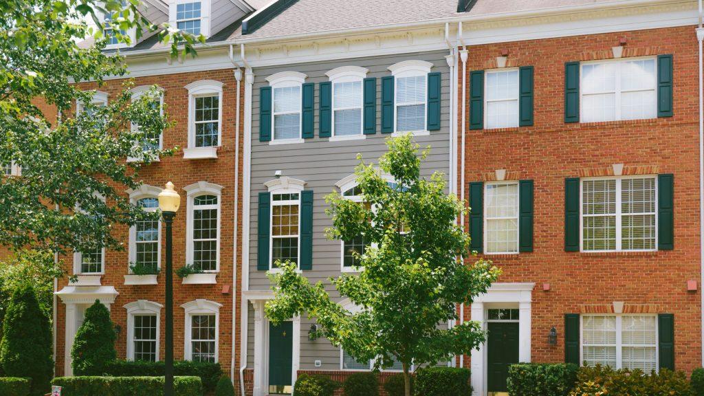 How to Find a Safe Neighbourhood